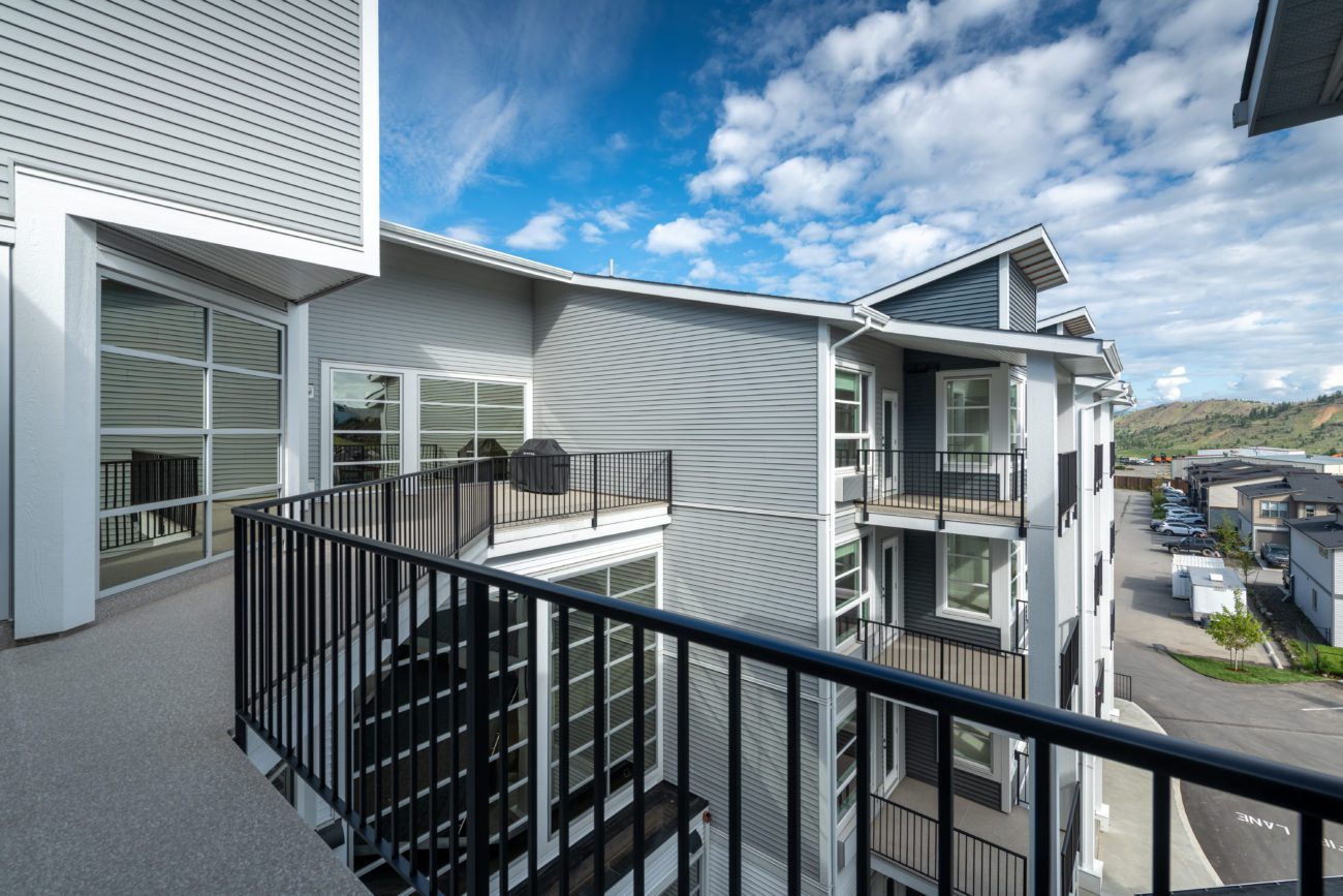 Mountainview Place – Common BBQ Deck